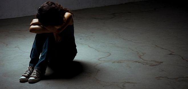 Casi 800.000 personas se suicidan cada año y la relación con la depresión es clara.