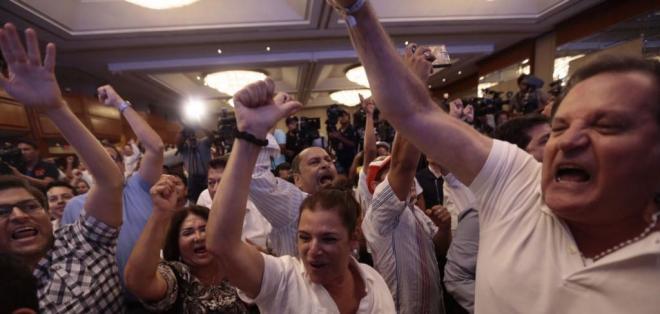 El exit poll de Cedatos ubica a Lasso en primer lugar con el 53,02%.