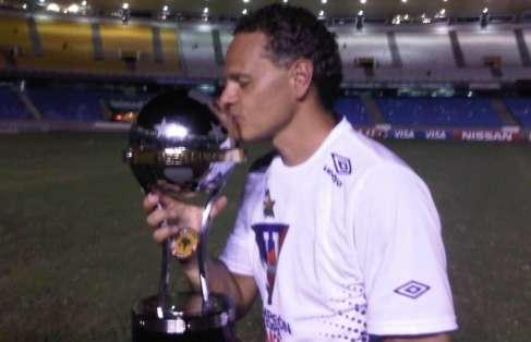 Esteban Paz reveló que Pablo Repetto llega este miércoles con contrato por 2 años. Foto: Archivo