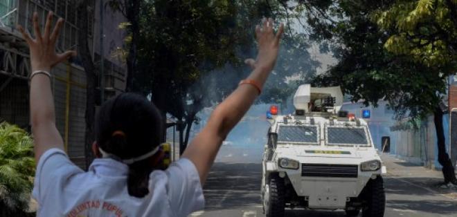 Algunas de las protestas degeneraron en focos de violencia, donde murieron 3 personas. Foto: AFP