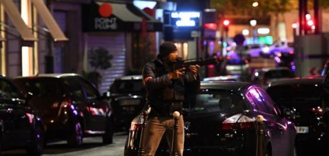 Varios turistas aterrados por el ataque de este jueves intentaban comprender lo sucedido. Foto: AFP