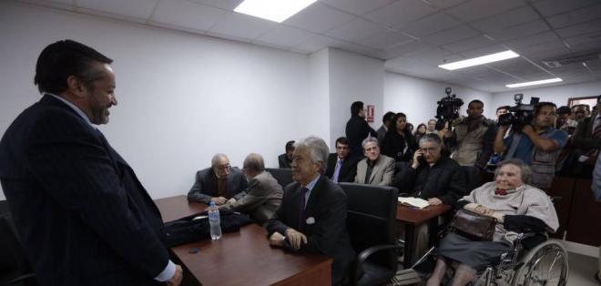 Hernán Ulloa, defensor de contralor Pólit, anunció que renuncia a acción penal. Foto: API