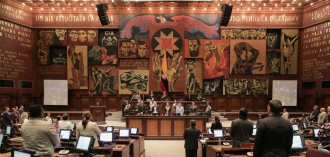 QUITO, Ecuador.- La norma, que plantea reformar 55 artículos, establece una escala de castigos. Foto: Archivo