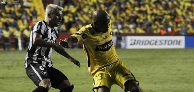 Barcelona y Botafogo empataron a un gol y comparten el liderato del Grupo 1.