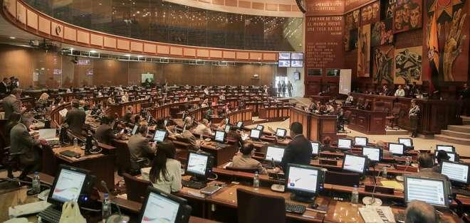 ECUADOR.- Con 105 votos a favor, el pleno de la Asamblea Nacional aprobó el proyecto de reformas a la Ley de Legalización de la Tenencia de las Tierras. Foto: Asamblea