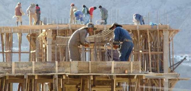 El empleo y volumen de construcciones en el país presentan cifras negativas. Foto: Archivo