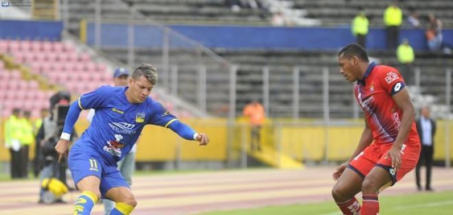 Delfín se llevó un punto en su visita al Atahualpa donde empató sin goles con El Nacional.