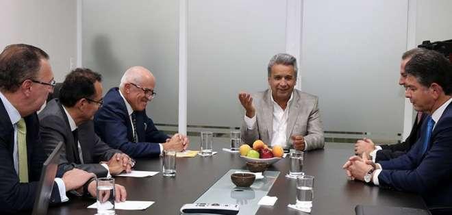QUITO, Ecuador.-  El encuentro entre el mandatario electo y los representantes de la ABPE se extendió por más de una hora. Foto: Cortesía Departamento de Comunicación Lenín Moreno.