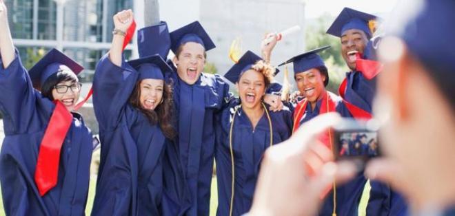 En la región hoy el doble de estudiantes pero solo la mitad se gradúa.