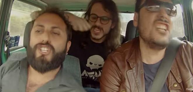 Se volvió viral en Italia el video humorístico de un trío de amigos. Foto: Captura