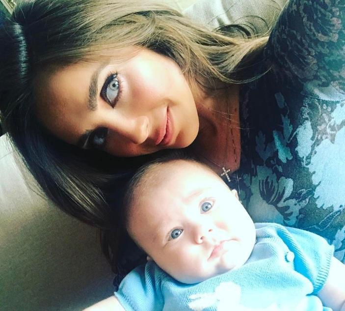 """""""Manuelito"""" es toda una estrella gracias al material que su mamá comparte en redes. Foto: Instagram Anahí."""