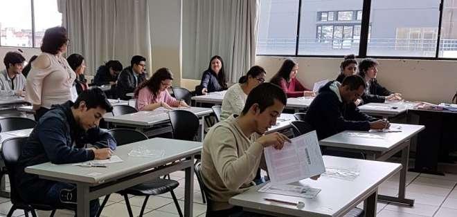 Examen se rendirá en ocho centros académicos habilitados a escala nacional. Foto: Ceaaces