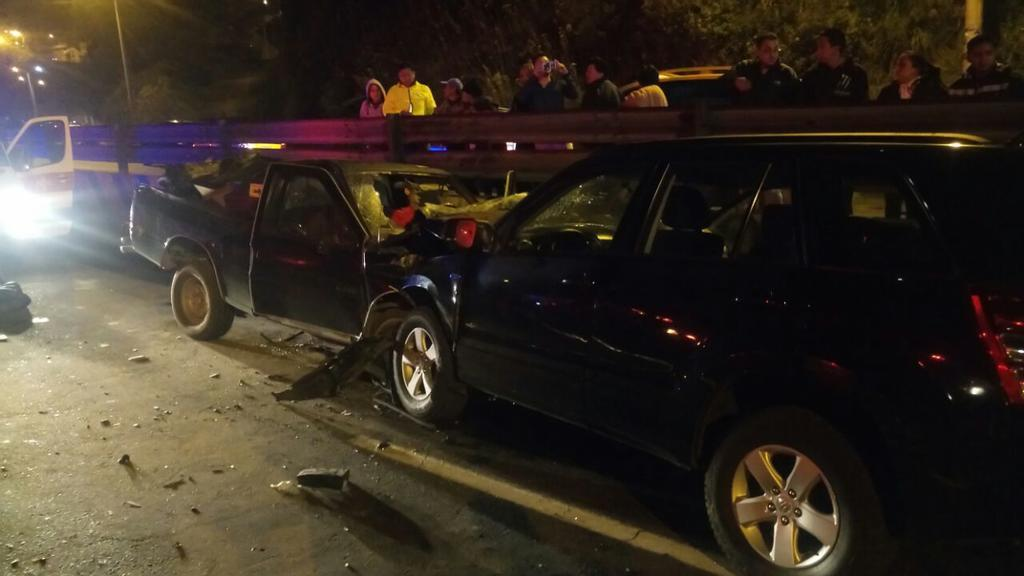 QUITO, Ecuador.- El accidente ocurrió a la altura del sector Alama Lojana, cerca del peaje. Foto: Cortesía.