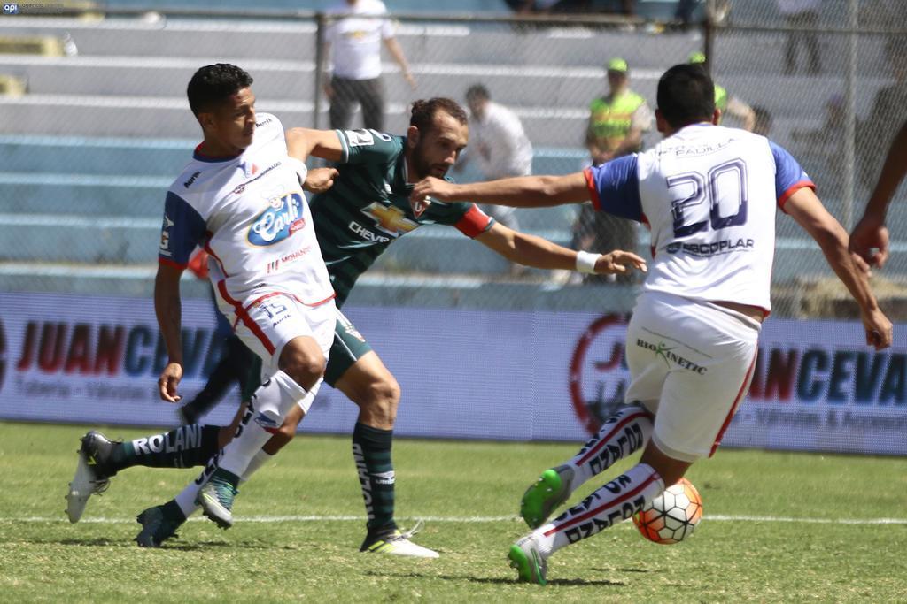 Los 'albos' igualaron 0-0 con los sangolquileños en el estadio Municipal Rumiñahui. Foto: API