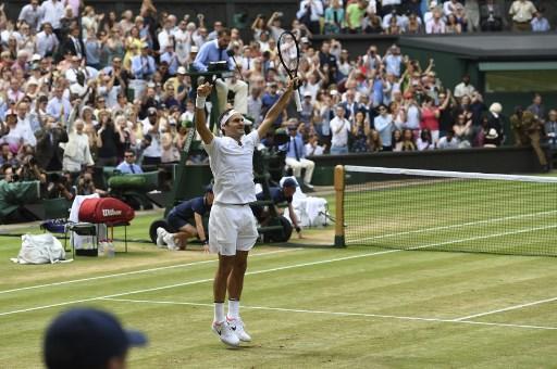Roger Federer consiguió su octavo Wimbledon y su décimonoveno grand slam. Foto: AFP