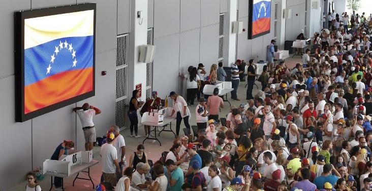 Foto: La oposición organizó la consulta sobre el plan del presidente Nicolás Maduro de reescribir la Constitución. La votación es parte de las acciones para incrementar la presión sobre Maduro. Foto: AFP