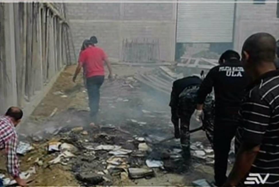 ESMERALDAS.- El hecho se registró este fin de semana en Atacames, provincia de Esmeraldas. Fotocaptura del video