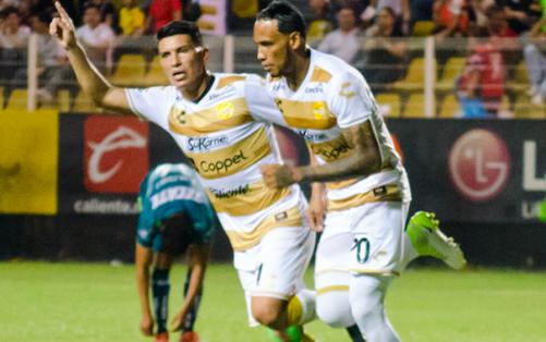 El atacante ecuatoriano llegó a 40 tantos con el equipo mexicano. Foto: Archivo