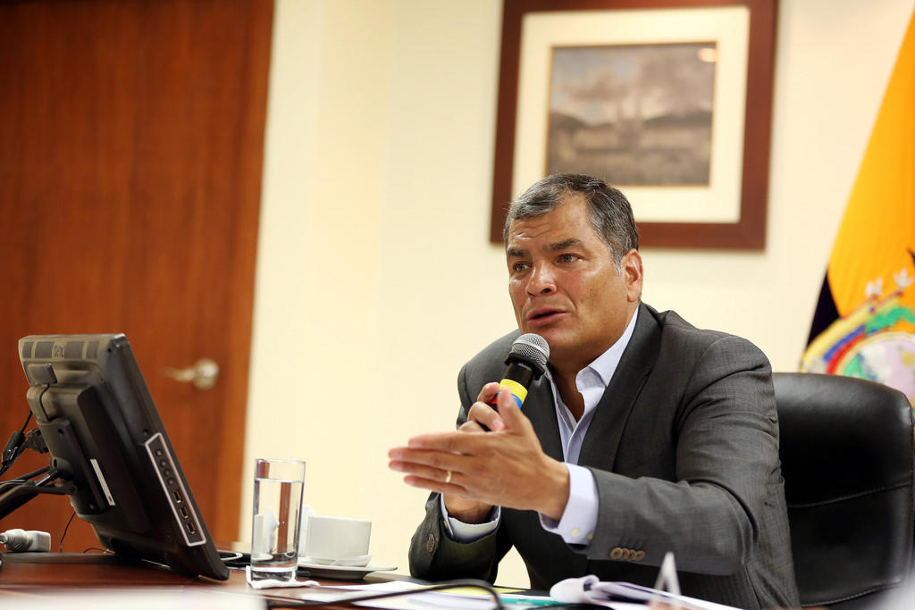 ECUADOR.- En Twitter, Rafael Correa señala que Lenín Moreno mantiene al mismo equipo económico. Foto: Archivo