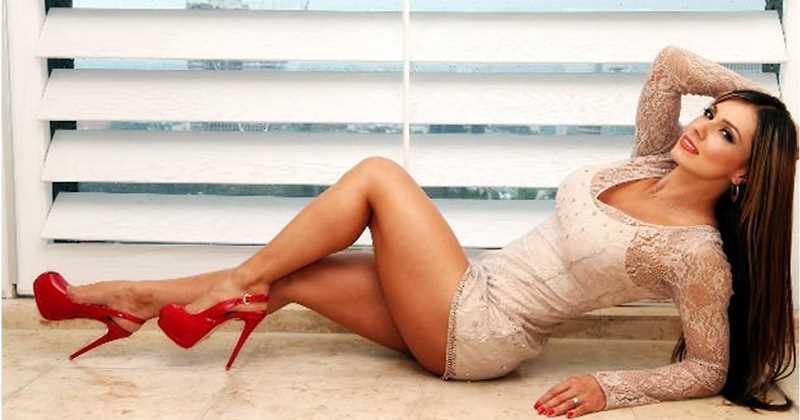 La modelo sorprendió a sus fanáticos con atrevidas gráficas en su hogar. Foto: Tomado de Revista Semana.