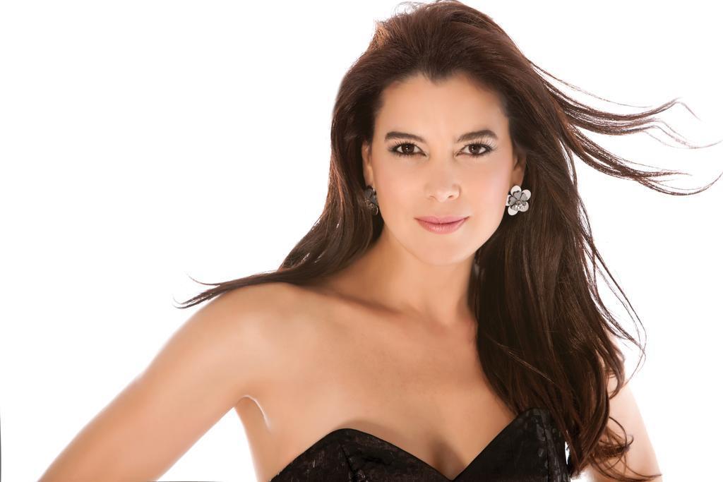 La carismática actriz se dejó ver en traje de baño a través de su cuenta de Instagram. Foto: Vistazo.com.