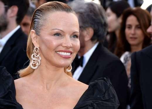 Pamela Anderson fue vista en las playas de Francia. Foto: Redes