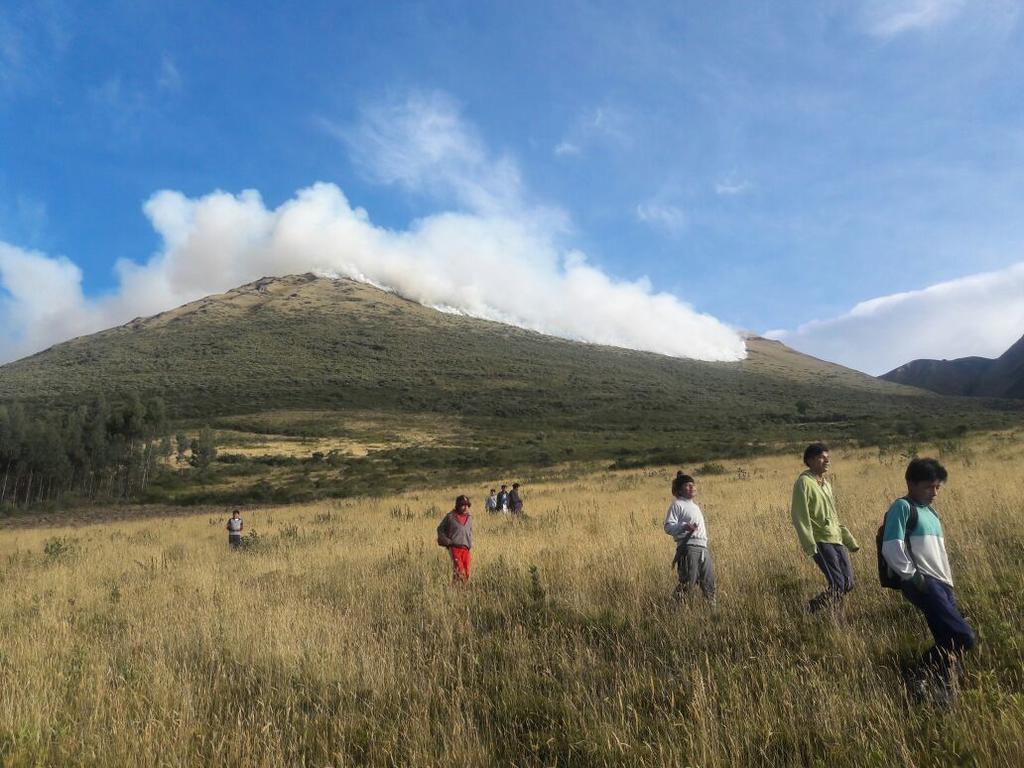 Este viernes 11 de agosto también se registró un incendio forestal en el cerro Imbabura, por el sector de San Pablo, en el cantón Otavalo. Foto: ECU 911