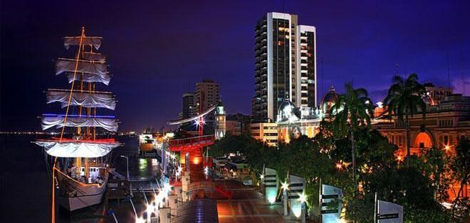 """El río Guayas ha sido testigo de los cambios y del desarrollo de la urbe """"huancavilca""""."""