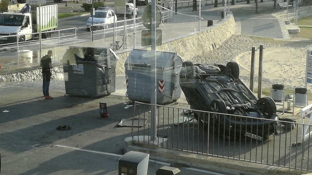 BEIRUT, Líbano.- Ocho horas después del mortífero ataque del jueves 17 en Barcelona, un Audi A3 embistió contra peatones en Cambrils, 120 km al sur de Barcelona. Foto: AFP.