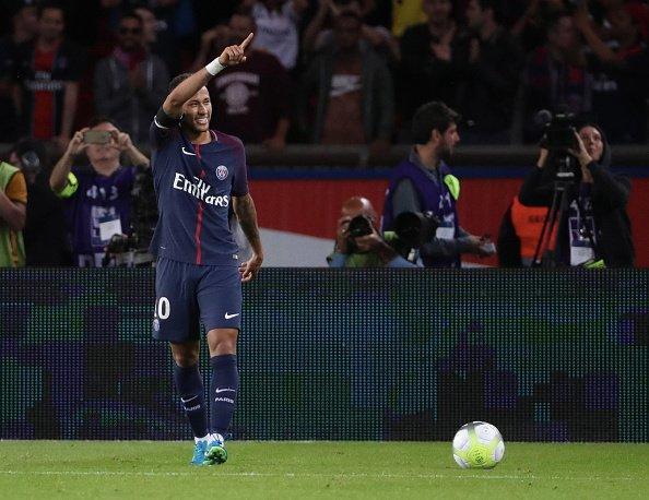 Neymar brilló con luz propia en el Parque de los Príncipes de Paris por la Ligue 1.