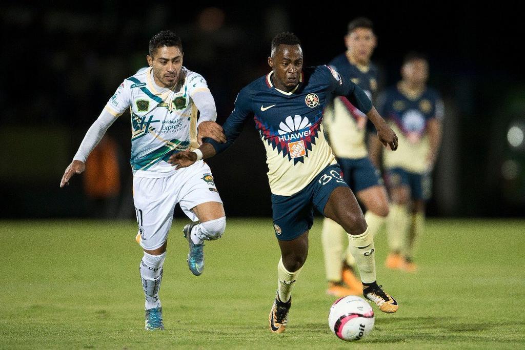 El ecuatoriano Renato Ibarra fue figura en victoria de su equipo sobre Lobos BUAP.