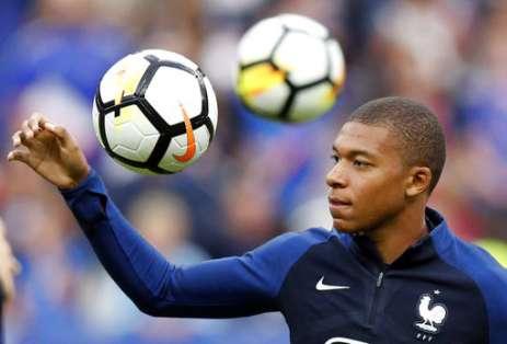 El delantero francés llegó al PSG a préstamo pero con una opción de compra de 180 millones de euros. Foto: AP