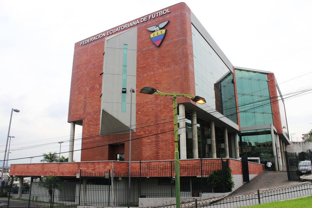 Tras 30 meses en el cargo, se remueve a Gustavo Quinteros de sus funciones en la Tri. Foto: Archivo.