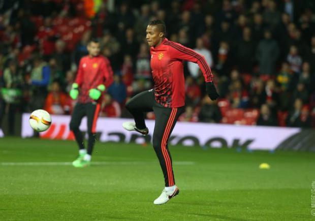 Antonio Valencia estuvo en la banca de suplentes y no jugó en el estreno del United en Champions League.