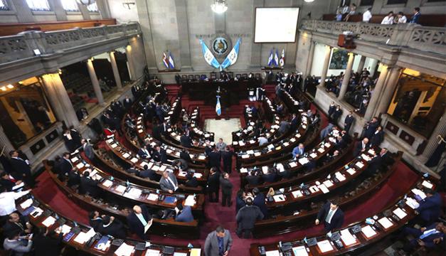 GUATEMALA, Guatemala.- Las reformas fueron revocadas inmediatamente con la aprobación. Foto: AP.