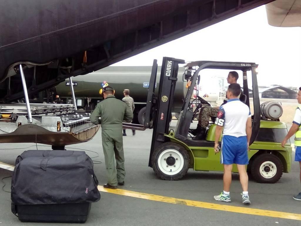 Se dispuso un avión de las Fuerzas Armadas para el traslado de bomberos rescatistas hacia México. Foto: @BomberosGYE