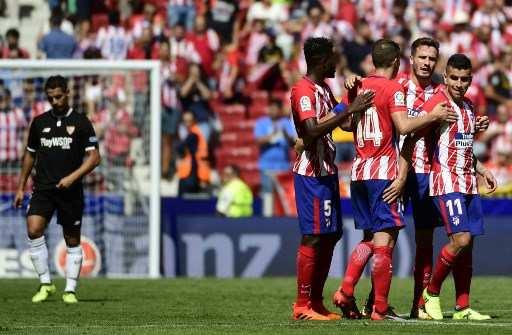 El elenco 'colchonero' subió a la segunda posición de la liga española. Foto: AFP