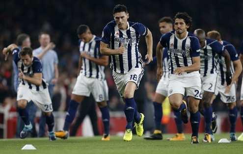 El volante inglés llegó a 633 partidos jugados en Premier League. Foto: AFP