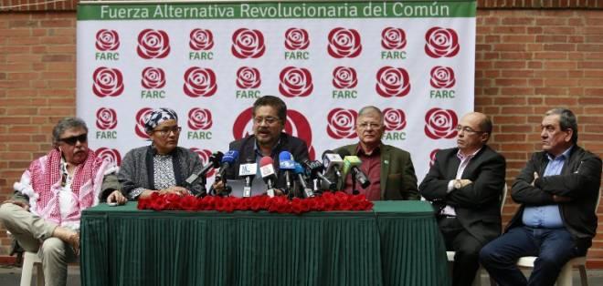 La exguerrilla FARC inscribió a su partido este lunes ante las autoridades electorales colombianas. Foto: AFP