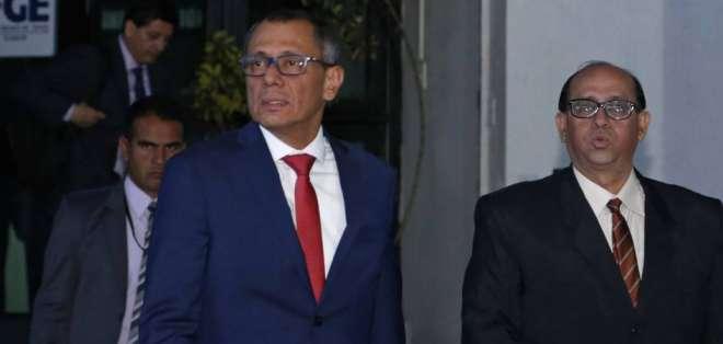 El vicepresidente Jorge Glas da declaraciones sobre caso Odebrecht en la Fiscalía General. Foto: Archivo API
