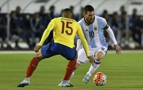 El argentino Messi anotó a los 11 y 19 minutos del compromiso para dar vuelta al marcador. Foto: AFP