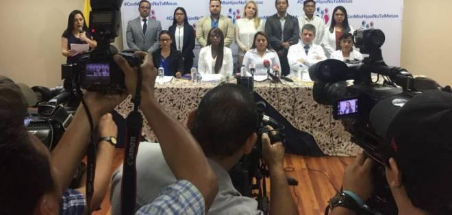 """Frente nacional por la Familia convocó rueda de prensa para informar sobre la marcha """"Con mis hijos no te metas"""". Foto: Cortesía"""