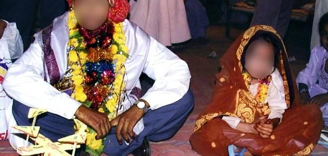 La edad mínima para tener relaciones sexuales consensuadas en India es 18 años, pero la violación matrimonial no es considerada un crimen.