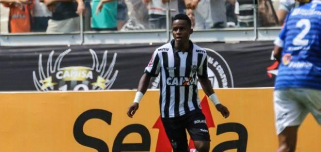 La lesión del ecuatoriano Juan Cazares preocupa al cuerpo técnico del Atlético Mineiro.