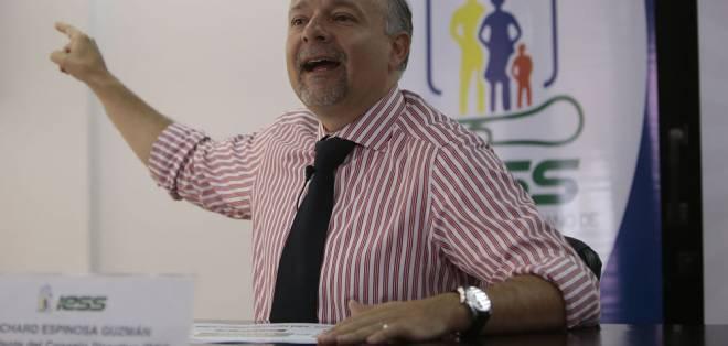 ECUADOR.- Richard Espinosa, presidente del Directorio del IESS, tiene hasta 30 días para ejercer su defensa. Foto: API