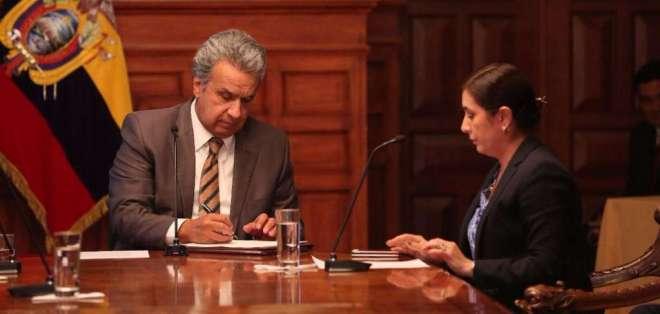 QUITO, Ecuador.- El presidente de la República, Lenín Moreno, derogó decretos y los reemplazó por el Decreto 193. Foto: Twitter Presidencia de la República.