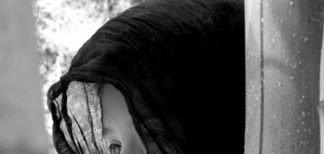 Es una misteriosa y siniestra mujer que únicamente se aparece a hombres que caminan solos por las calles de la ciudad. Foto: arcanocuentos.com