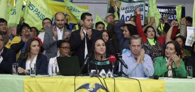 QUITO, Ecuador.- Gabriela Rivadeneira informó que se encargó la dirigencia de AP a excanciller Patiño. Foto: Twitter AP.
