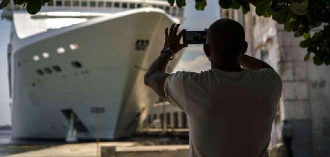 El gobierno del presidente Donald Trump impuso el miércoles 8 de noviembre de 2017 nuevas restricciones comerciales y de viajes a Cuba que dificultarán las visitas de estadounidenses a la isla. Foto: ARCHIVO AP