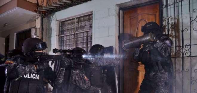 La Policía Nacional indicó a través de Twitter que dos individuos permanecen fugados. Foto: Policía Nacional